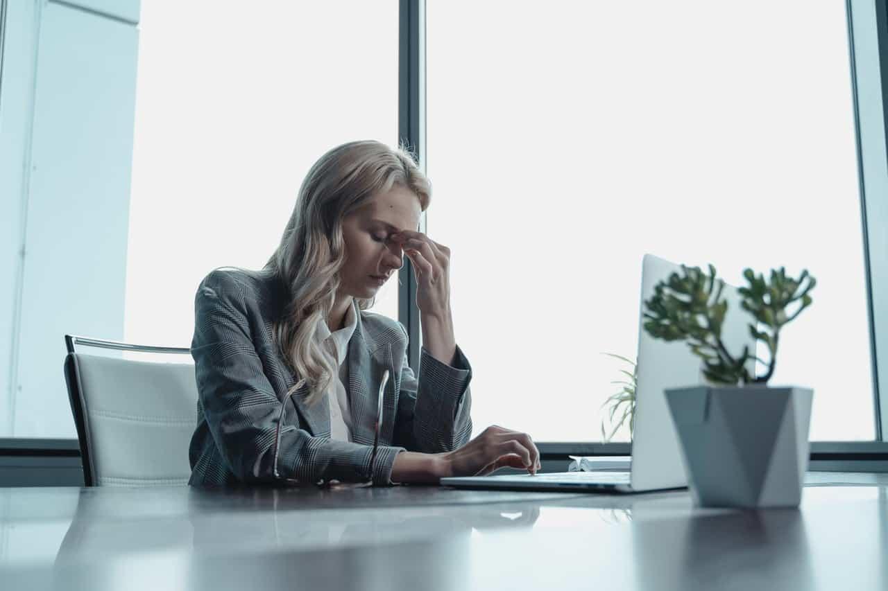 stres w pracy biurowej